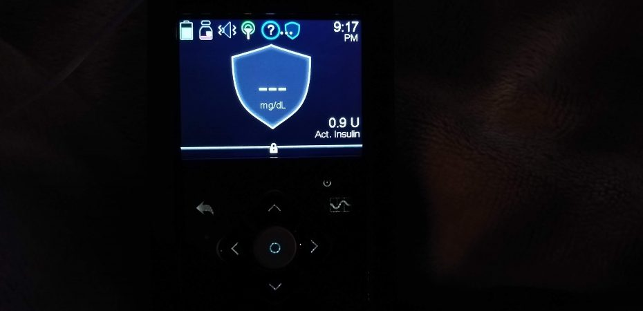 Medtronic 670G Insulin Pump on Safe Basal Screen with no sensor data